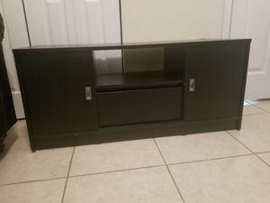 TV stand $70 incluye delivery only miami for Sale in Hialeah, FL