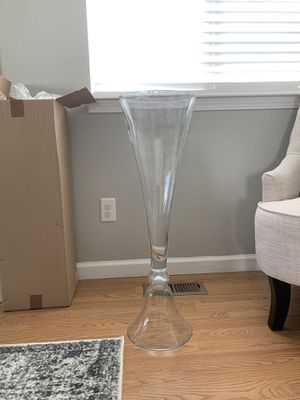 Glass Flower Vases (2) for Sale in Colorado Springs, CO
