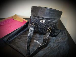 Chanel 8 Knot Shoulder Bag Black for Sale in Los Angeles, CA
