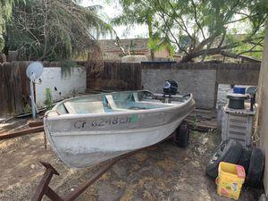13' aluminum boat for Sale in Visalia, CA