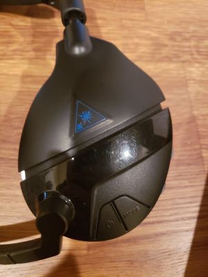 Ps4 turtle beach a600 wireless bluetooth headset for Sale in Tucson, AZ