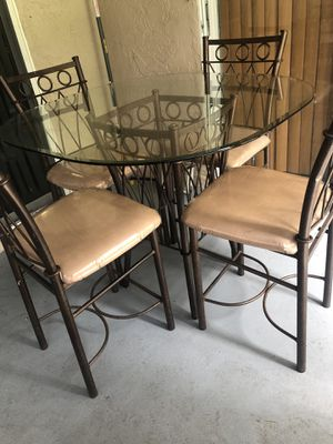 Kitchen table for Sale in Coral Springs, FL