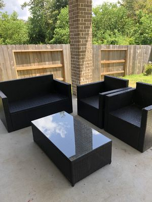 Four piece outdoor Crosley furniture set for Sale in Porter, TX