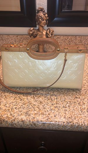 Louis Vuitton Bag for Sale in Jurupa Valley, CA