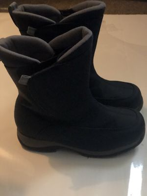 Like new worn once size 6 ( more like 7 ) Lands end snow / rain boots for Sale in Alexandria, VA