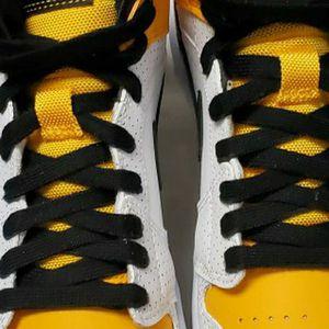 "Air Jordan 1 Mid ""Laser Orange size 8-8.5-9.5 womens for Sale in West Hartford, CT"