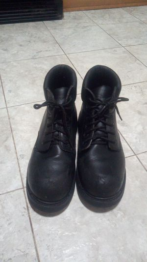 Steel toe boots for Sale in Chicago, IL