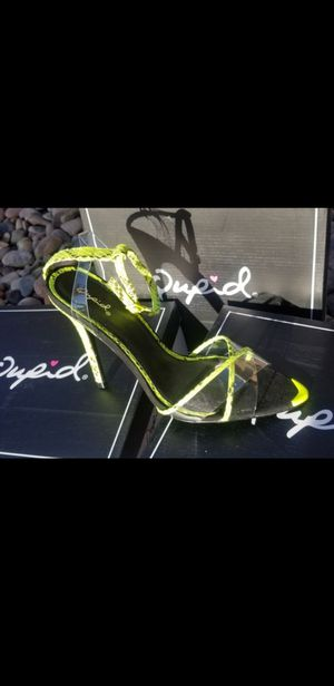 Neon green heel with clear straps for Sale in Fontana, CA
