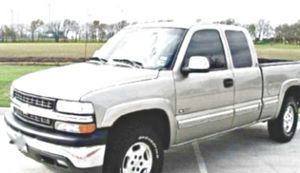 ֆ14OO O4 CHEVY SILVERADO 4WD for Sale in Fort Lauderdale, FL