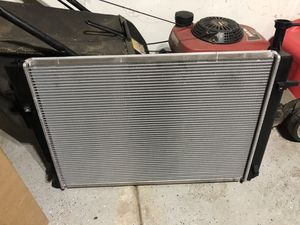Hyundai Tucson 2.7l radiator never used for Sale in Wood Dale, IL