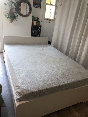 Full size bed frame white and mattress for Sale in Coronado, CA