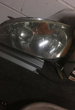 Nissan Altima headlight for Sale in Fort Washington, MD