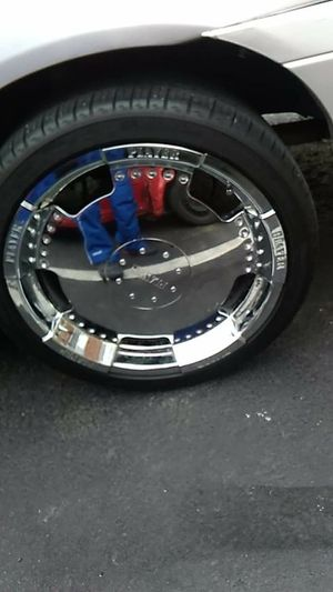 """5 lug Universal Boss rims 18"""" chrome rim with new tires sec day on street for Sale in Alton, IL"""