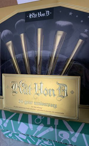 Kat Von D Makeup Brushes for Sale in Moreno Valley, CA