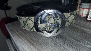 Gucci belt size 30-32 for Sale in MERRIONETT PK, IL