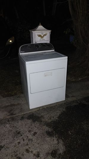 Free whirlpool dryer won't spin for Sale in Miami, FL