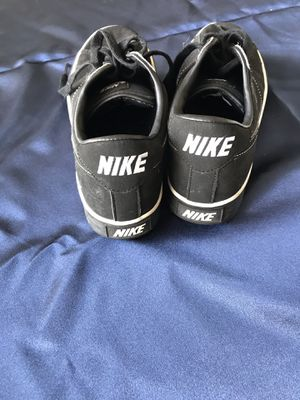 Nike shoes size 9 men for Sale in Bartow, FL