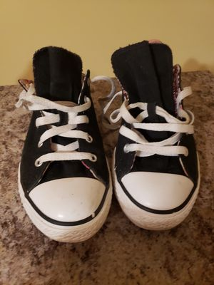 Size4 Girls Converse for Sale in Lithonia, GA