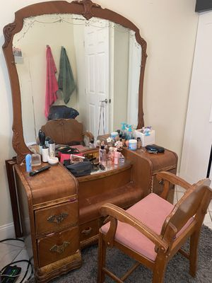 Antique vanity table with chair for Sale in Brooklyn, NY