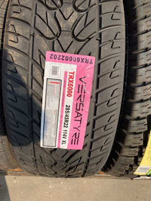 285/45/22 new tire for Sale in Arlington, TX