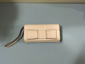 Authentic Kate spade wallet for Sale in Fairfax, VA