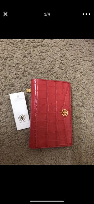 Tory Burch authentic wallet brand new with tags for 100$ or best offer for Sale in Bellevue, WA