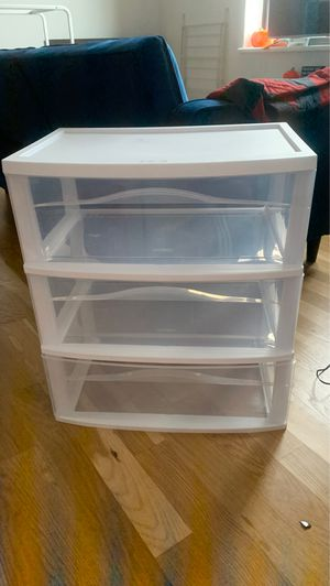 Sterilite Wide Plastic Drawers for Sale in Brooklyn, NY