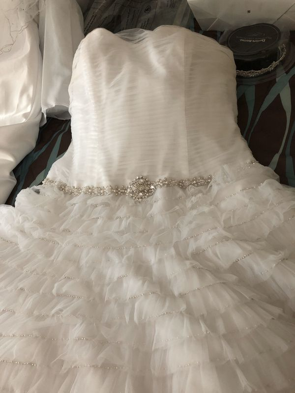 Professionally Cleaned wedding dress size 14 $125