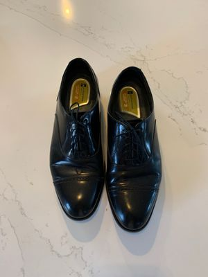 Florsheim 9 1/2 Black Leather Dress Shoes for Sale in Third Lake, IL