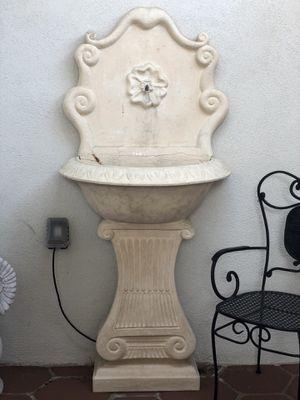 Wall fountain - working for Sale in La Costa, CA