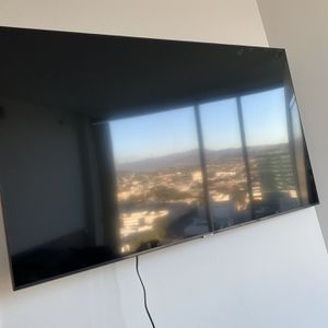 Samsung 58 Inch TV for Sale in Los Angeles, CA