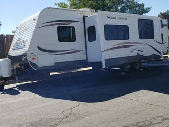 30'ft Travel Trailer for Sale in Moreno Valley,  CA