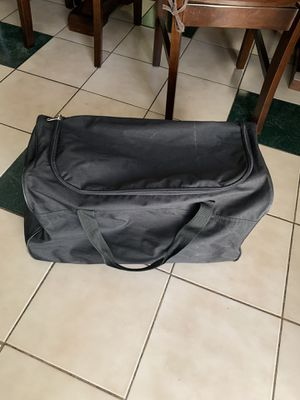 12 in duffle bag for Sale in Richmond, CA