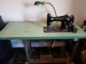 Singer industrial sewing machine for Sale in Mount Airy, MD