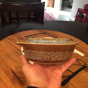 Small Vintage Baking Pyrex Dish With Lid 15.00 for Sale in Del Sur, CA