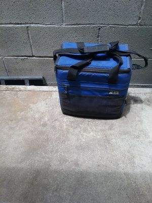 Ice chest Cooler for Sale in West Covina, CA