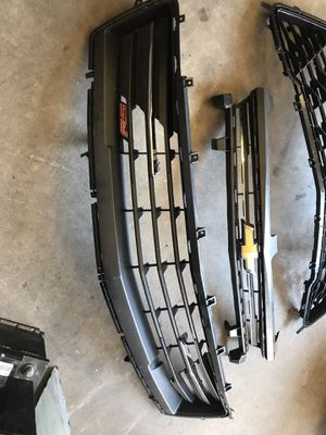 2016-17 Chevy camaro RS grille top and bottom for Sale in Duncanville, TX