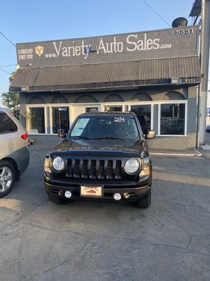 2015 Jeep Patriot Altitude 4 cylinder GREAT MPG!!! for Sale in Ontario, CA