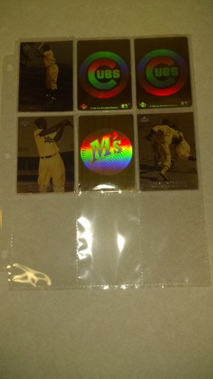 (Lot J1) 3 Jackie Robinson Baseball Cards, 2 Cubs Hologram Stickers and 1 M's Hologram Sticker for Sale in Nashville, TN