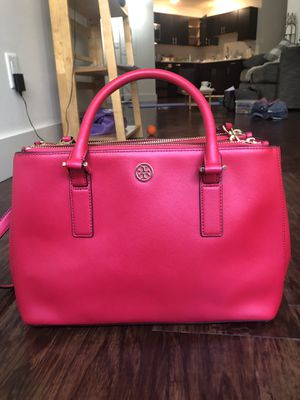 Tory Burch Saffiano Leather Robinson Tote Bag Double Zip for Sale in Cleveland, OH