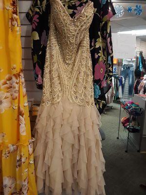nice dress size 10 $350 for Sale in Aberdeen, WA