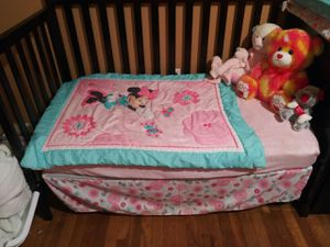 BEAUTIFUL CRIB WITH ATTACHED CHANGING TABLE for Sale in Lancaster, PA