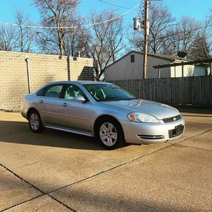 Chevy impala 2006 lt for Sale in St. Louis, MO