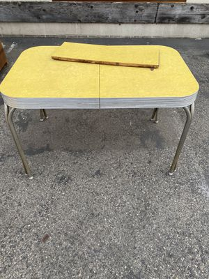 Mid century dining table $45 for Sale in Santa Ana, CA