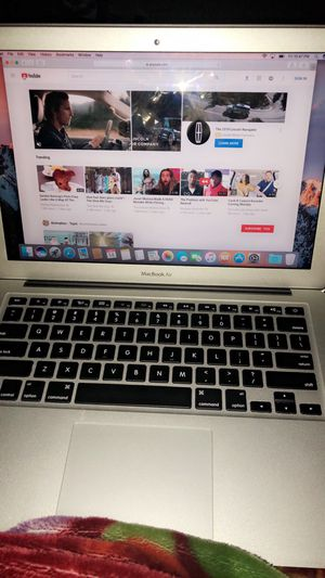 Mac book air 2017 I have 3 of them there new for Sale in Parlier, CA