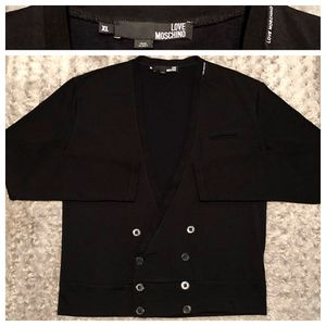 Mens Moschino cardigan paid $520 size XL excellent condition. 100% authentic made in Italy fabric as wool. for Sale in Washington, DC