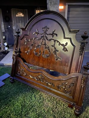 Provincial French Queen Bed for Sale in Dinuba, CA