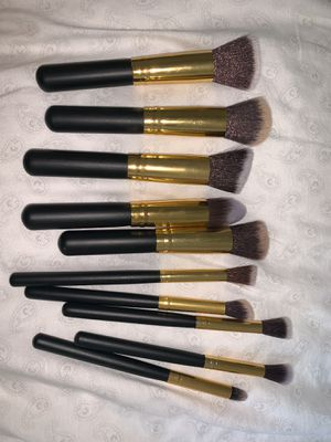 makeup brushes kit for Sale in Orlando, FL