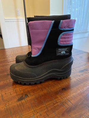Grizzly brand girls snow boots. Size 4 kids for Sale in San Diego, CA