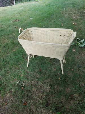 Antique Bassinet for Sale in Akron, OH